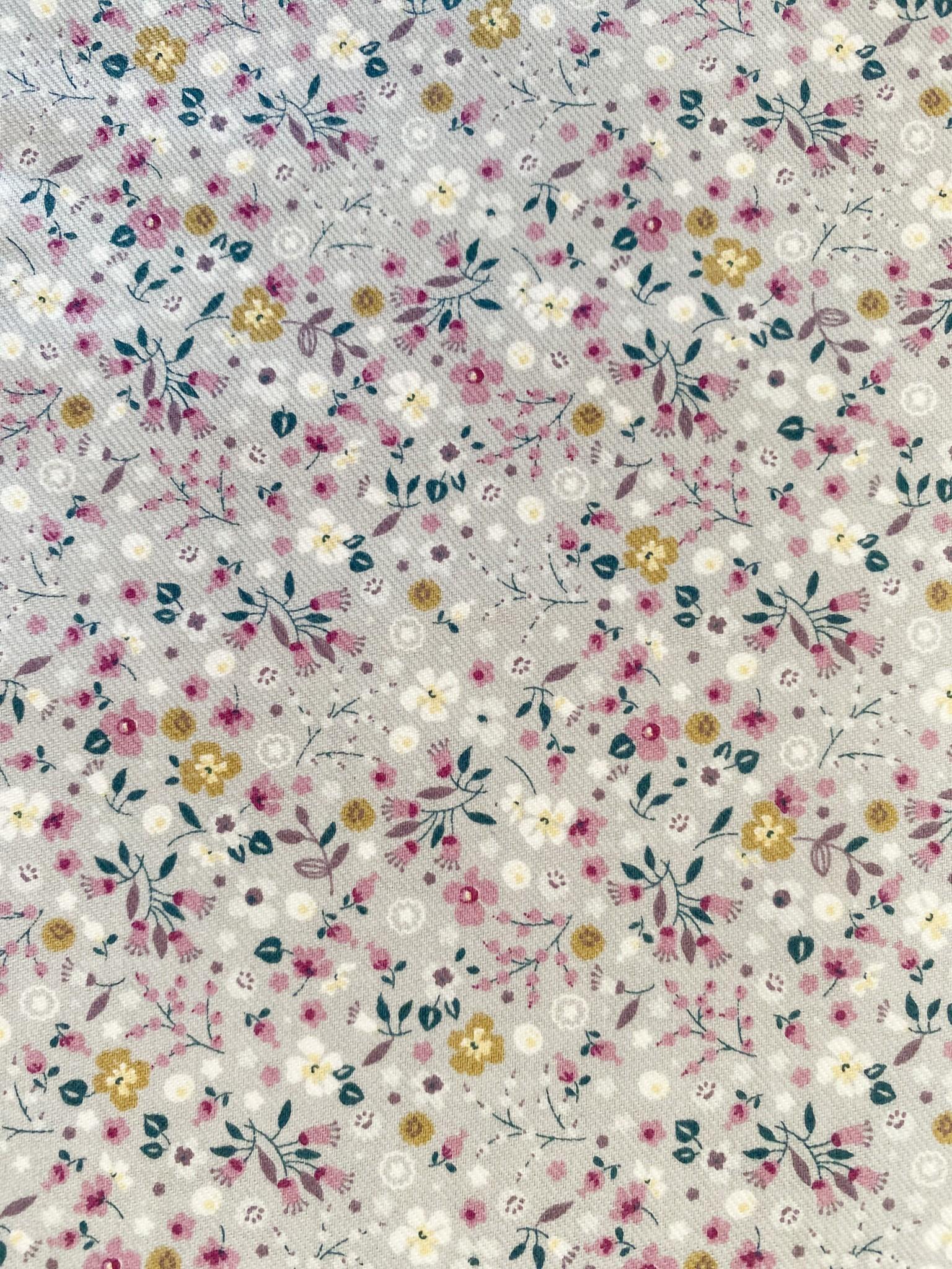329 Flores malva fondo gris