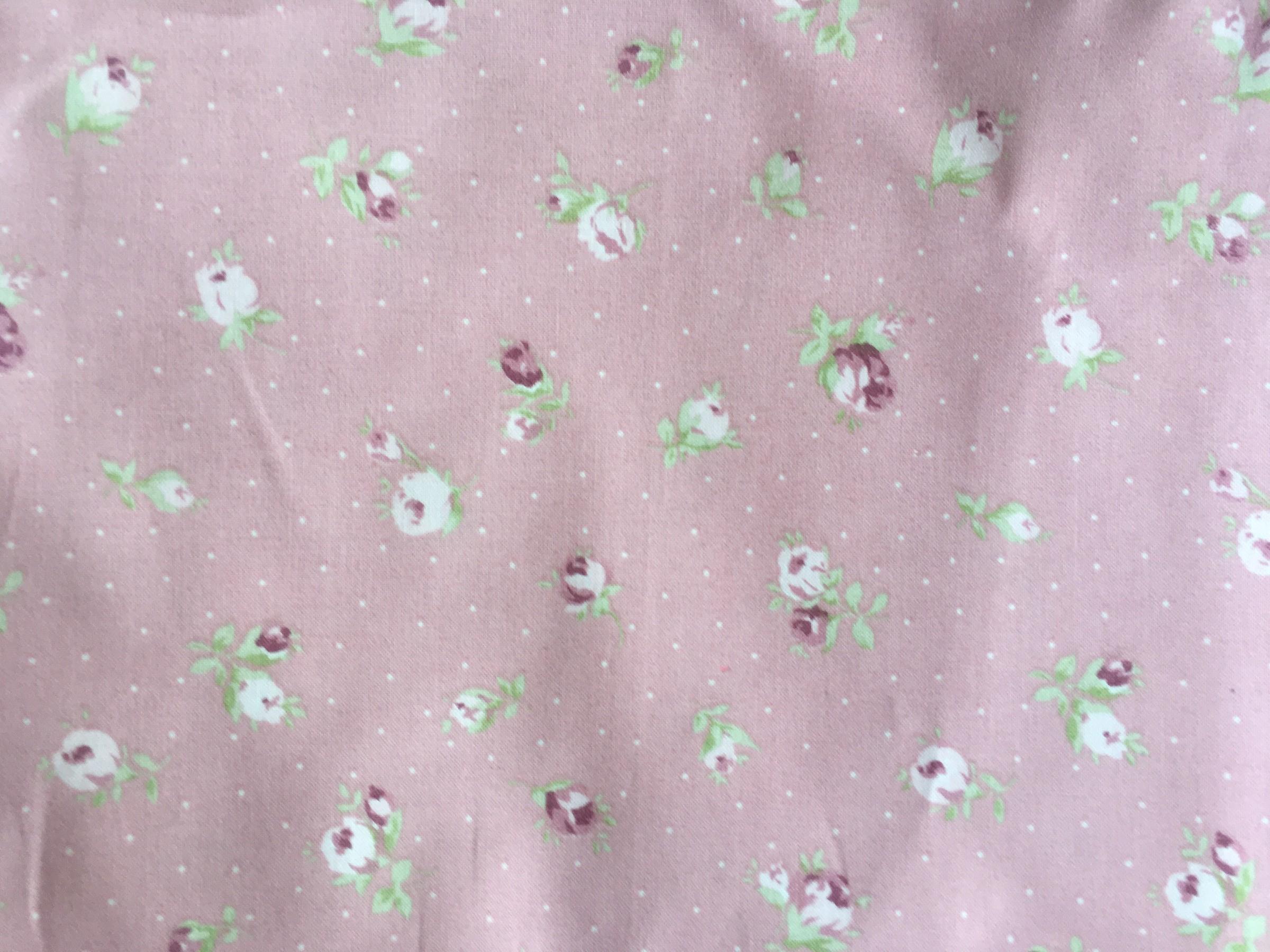 315 rosas fondo rosa y puntitos