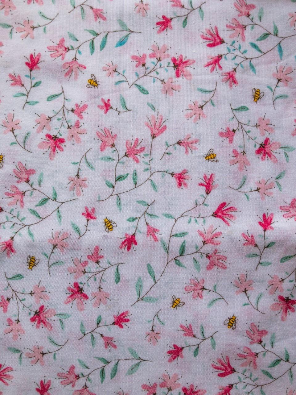 318 flores rosas abejas
